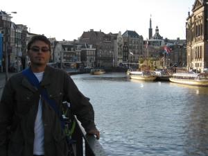 Următoarele trei zile la Amsterdam. Da, ne-am îndrăgostit de oraşul ăsta. N-am mai fi plecat de acolo.