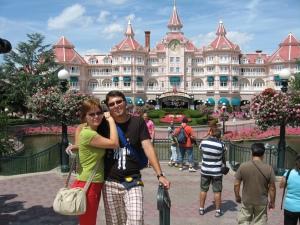 A treia zi în Franţa, la Disneyland. Cu tristeţe vă spun că nu i-am găsit pe Miaunel şi Bălănel. Iar Mihaela era în vacanţă, pesemne.